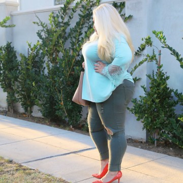 881337c671740 Boardroom Blonde – Page 6 – Plus Size Style Blogger