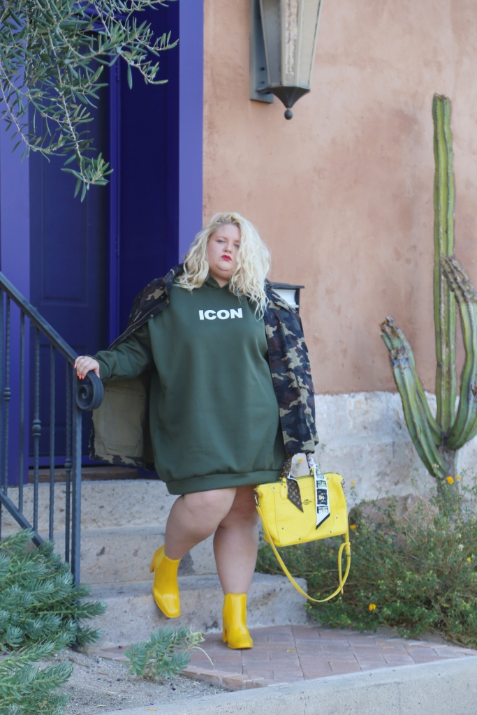 how to dress up a sweatshirt dress to make it look cool